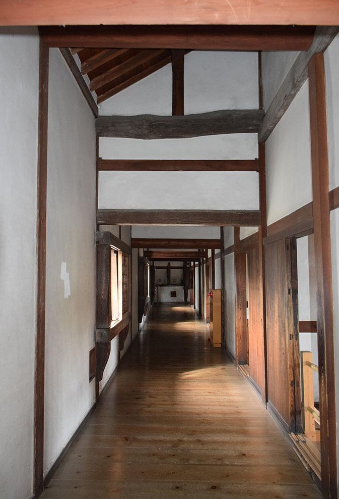 白鷺の天守閣がよみがえった姫路城を歩く。 その5 ~西の丸~_e0158128_20080403.jpg