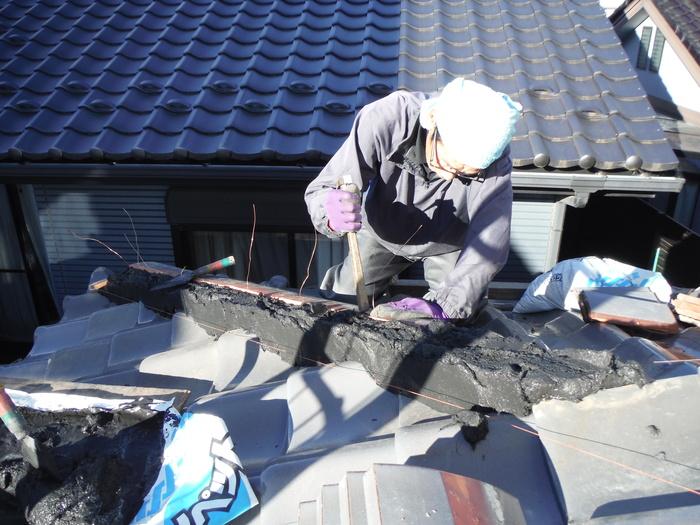 屋根瓦葺き直し ~ 工事終了です。_d0165368_5253211.jpg
