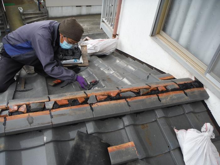 屋根瓦葺き直し ~ 工事終了です。_d0165368_5255239.jpg