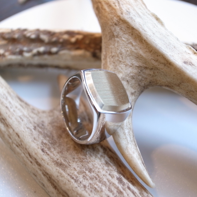 TOM WOOD CUSHION RING GOLD TOP:SORRY,SOLD OUT!_f0111683_17412922.jpg