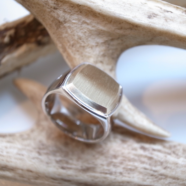 TOM WOOD CUSHION RING GOLD TOP:SORRY,SOLD OUT!_f0111683_17413450.jpg