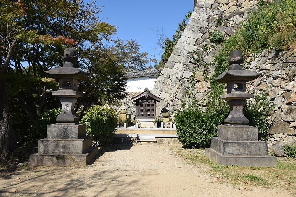 白鷺の天守閣がよみがえった姫路城を歩く。 その6 ~下山里~_e0158128_17532562.jpg