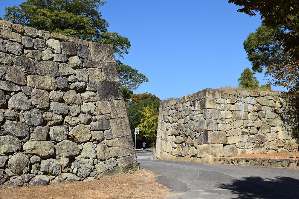 白鷺の天守閣がよみがえった姫路城を歩く。 その7 ~姫山公園・姫路神社~_e0158128_18021001.jpg