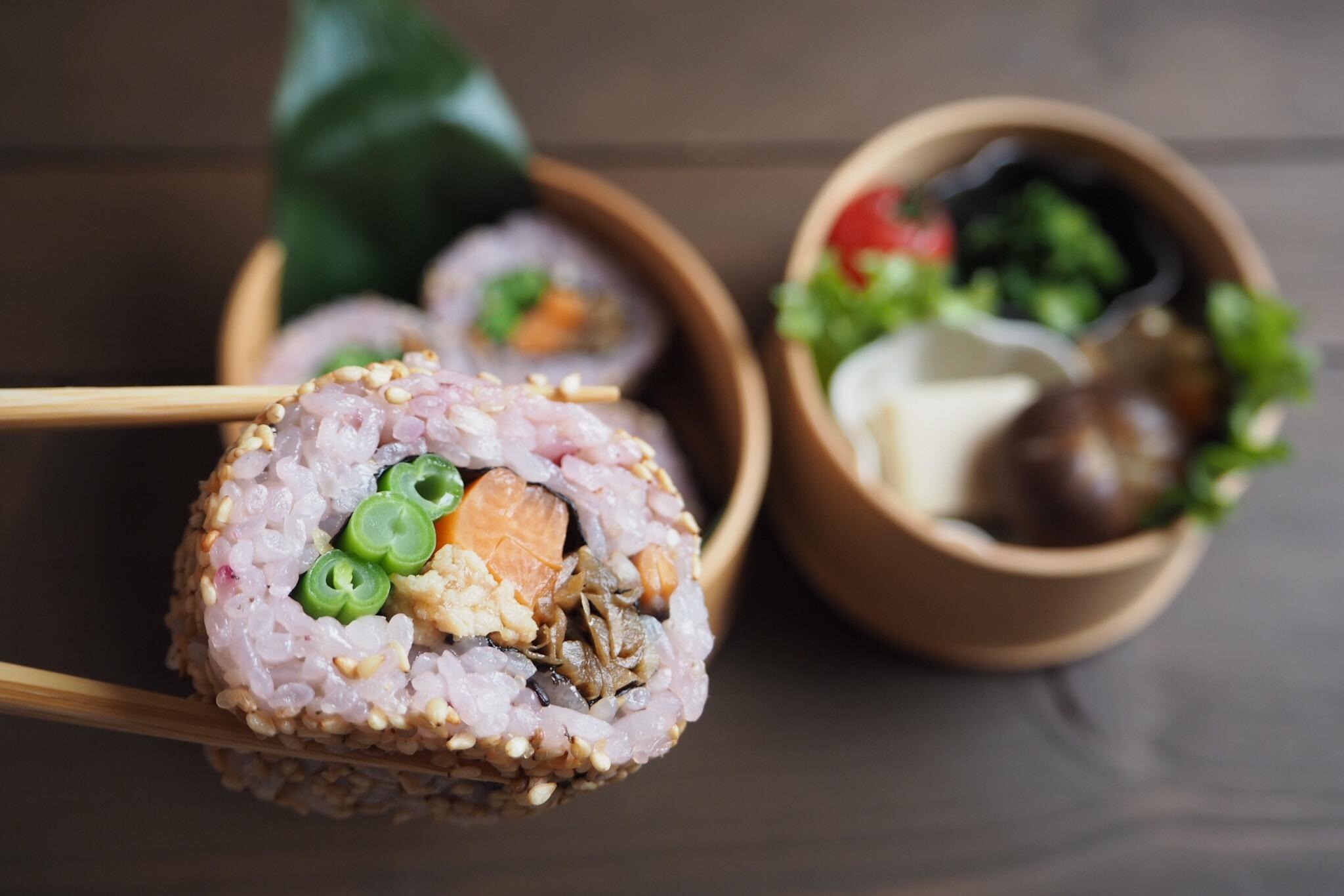 裏巻き寿司の恵方巻き弁当_c0270834_7573991.jpg