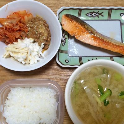 今日の朝ごはんプレート と・・・私の毎日の普通~な晩御飯の数々!_c0103827_1253536.jpg