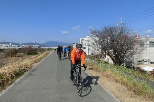 木津川サイクリングロードでランチへ_b0332867_23080765.jpg