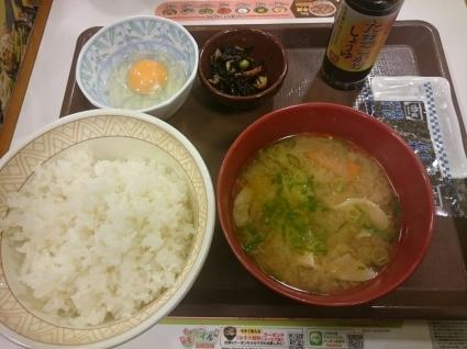 2/7  とん汁たまごかけごはん朝食ごはん大盛り¥360@すき家_b0042308_07043379.jpg