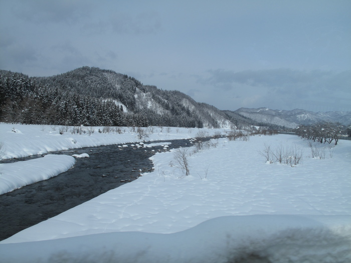 列車で冬の東北 温泉旅 ( 初日 )_d0150720_1739262.jpg