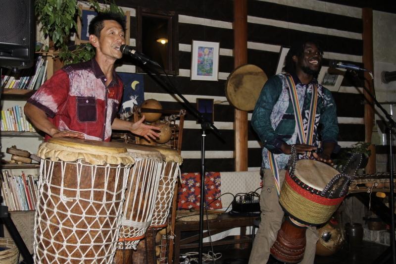 今宵はアフリカンミュージックを聞きながら。_d0342449_23142879.jpg