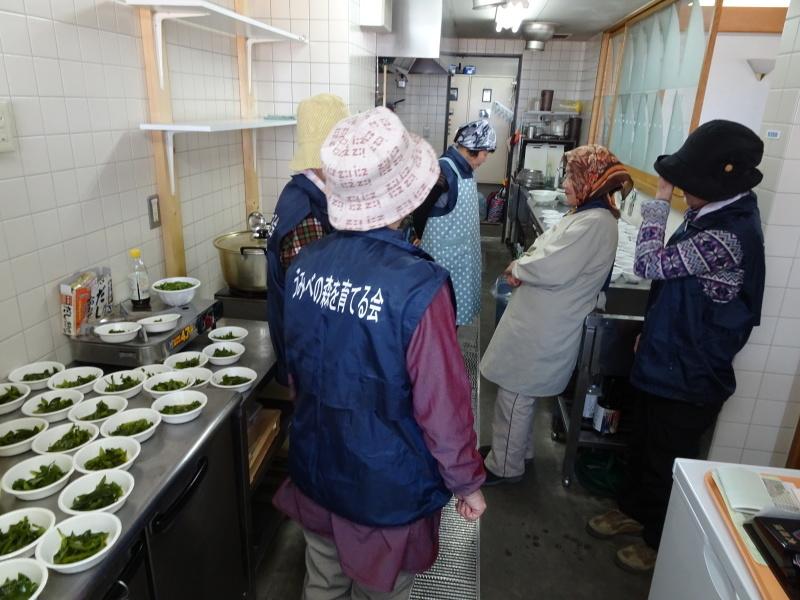 みんなでワカメを育てよう!「ワカメ収穫祭り」  in せんなん里海公園_c0108460_00564245.jpg