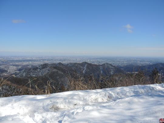 雪の景信山_e0232277_1192283.jpg