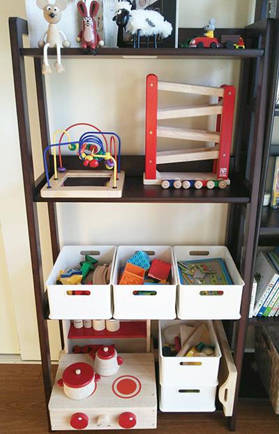 我が家のおもちゃ収納_a0275343_12523888.jpg