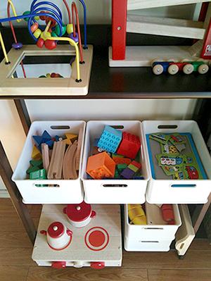 我が家のおもちゃ収納_a0275343_1301079.jpg