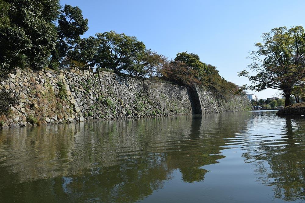 白鷺の天守閣がよみがえった姫路城を歩く。 その8 ~内堀~_e0158128_20533449.jpg
