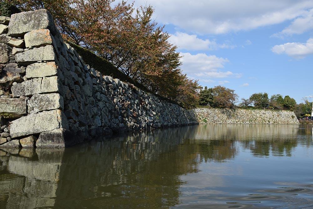 白鷺の天守閣がよみがえった姫路城を歩く。 その8 ~内堀~_e0158128_21011775.jpg