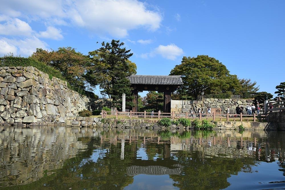 白鷺の天守閣がよみがえった姫路城を歩く。 その8 ~内堀~_e0158128_21030514.jpg