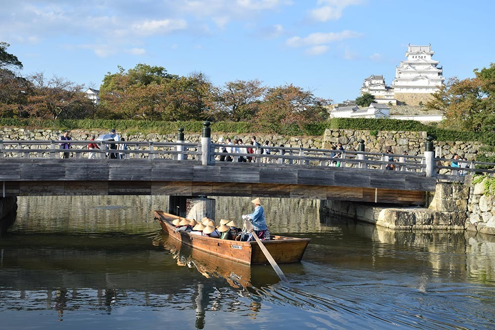 白鷺の天守閣がよみがえった姫路城を歩く。 その8 ~内堀~_e0158128_21072406.jpg
