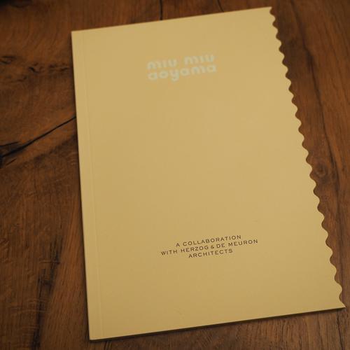 miumiu AOYAMAの建築冊子_e0243332_22104687.png