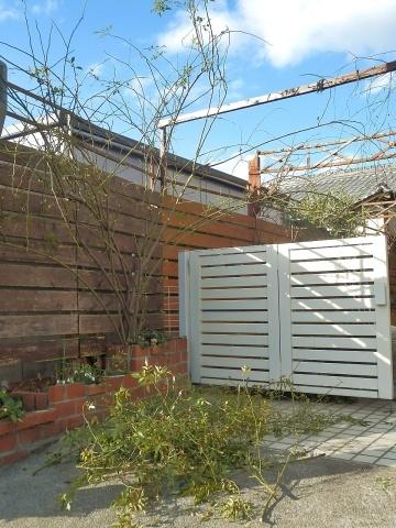 ◆庭のプレート作り_e0154682_21150188.jpg