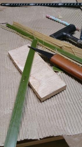 竹を買ってトンボ作り_a0107184_09154444.jpg