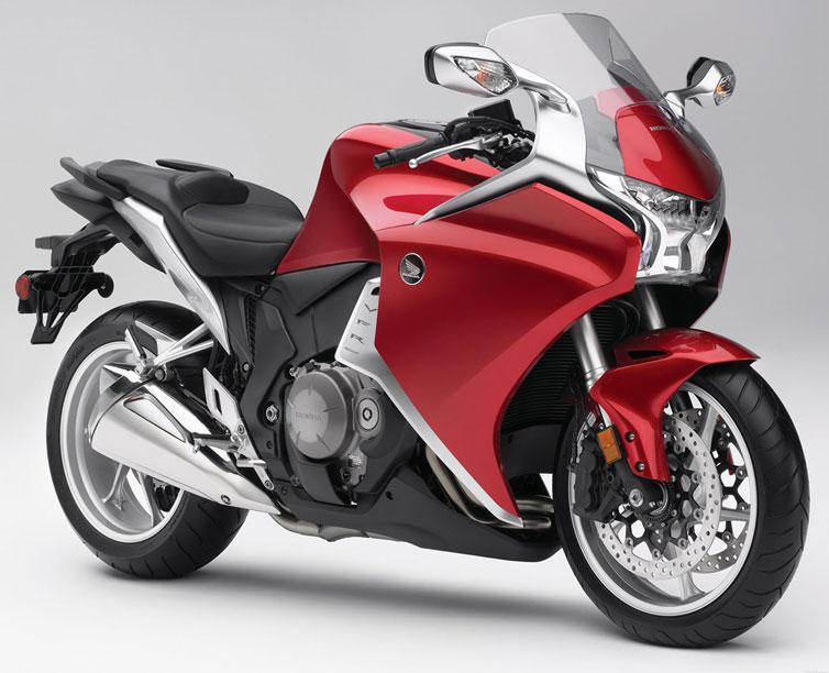 VFR1200にバイクザシートインサイド _e0114857_2272088.jpg