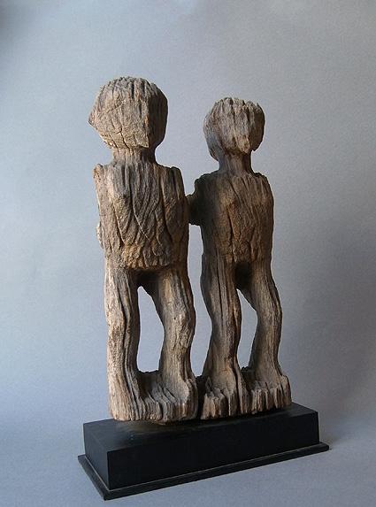 マダガスカルの彫像_e0111789_10225187.jpg
