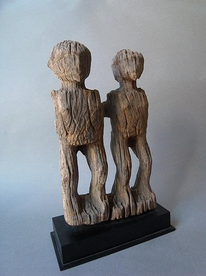 マダガスカルの彫像_e0111789_1075628.jpg
