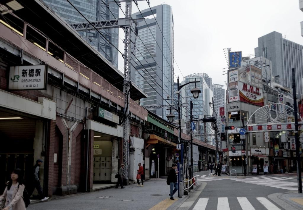 【東京】新橋の朝_c0348200_22435946.jpg