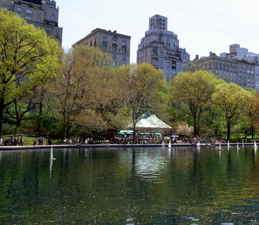 セントラルパークで模型ヨット遊びのできる池 Conservatory Water_b0007805_21292026.jpg