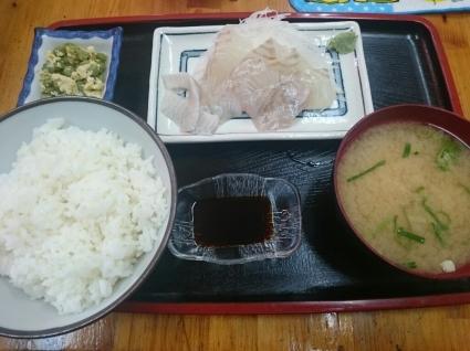 2/12  レストラン一番  鮃のお造り定食¥800 @伊丹市公設卸売市場内_b0042308_12304821.jpg