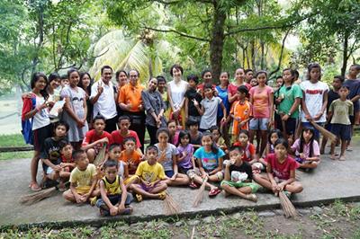 バリ島の孤児院訪問/文:島本美由紀_a0083222_14284821.jpg