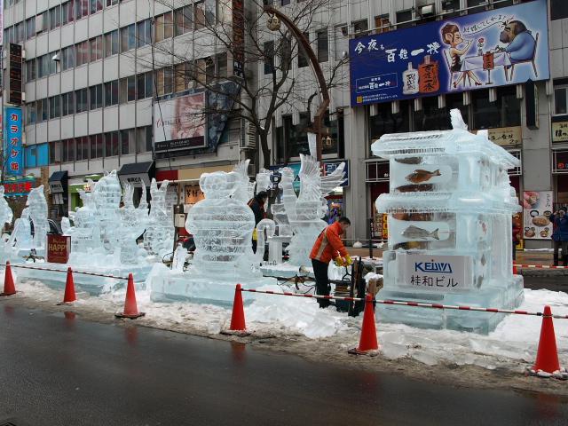 さっぽろ雪まつり 市民雪像など色々_d0153062_8124784.jpg