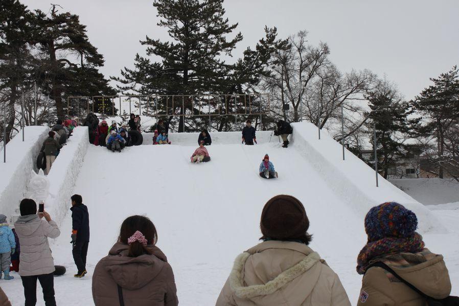 今年も弘前城雪燈籠まつりが開幕しました!_d0131668_13174887.jpg