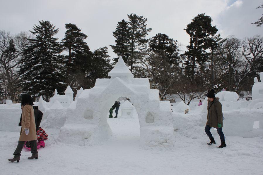 今年も弘前城雪燈籠まつりが開幕しました!_d0131668_13180296.jpg