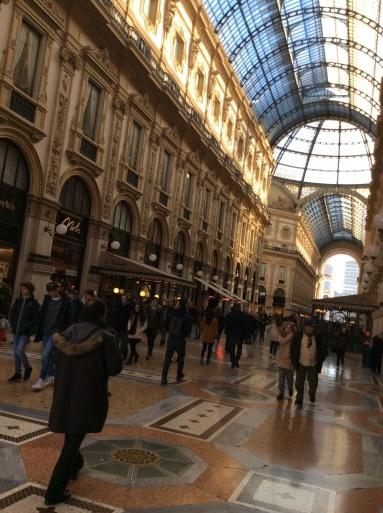 イタリアで仕事中_b0210699_06470040.jpg