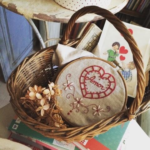 バレンタインモチーフの刺繍①_a0157409_17404392.jpg