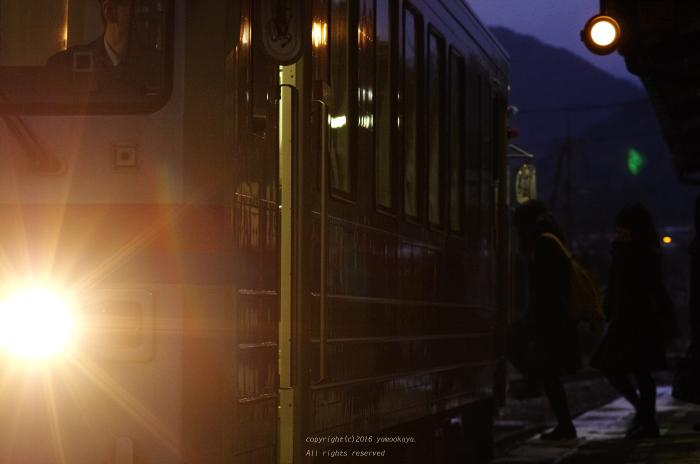 通学列車_d0309612_044583.jpg
