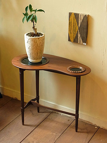side table_c0139773_16390983.jpg