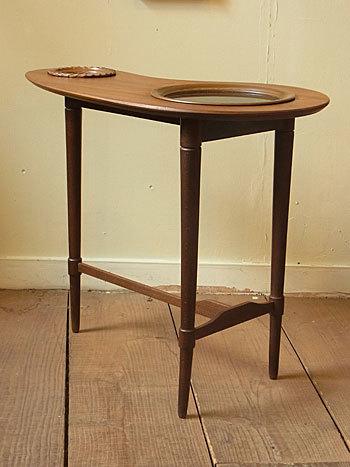 side table_c0139773_16392014.jpg