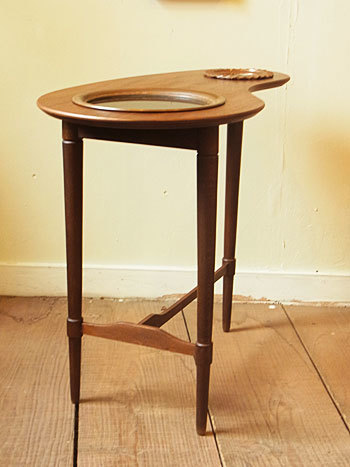 side table_c0139773_16392852.jpg