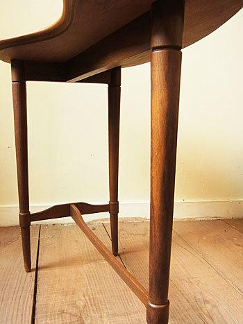 side table_c0139773_16412180.jpg