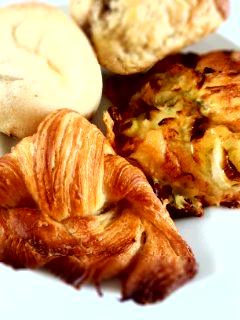 笹塚 パン工房 プクムクのクリームぱん、ねぎぱん、バナナブレッド、クロワッサン_f0112873_22563259.jpg