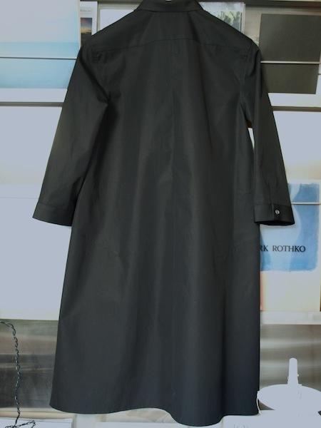人に着せた時に非常に綺麗に見えるuemulo munenoli のシャツワンピース・ドレス『LEGO』_e0122680_15201455.jpg
