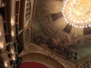 マリブラン劇場でフレンチ・オペラ、Hervé「円卓の騎士」_c0339296_1804150.jpg