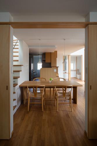 食堂を、家族の生活の中心に置く_c0070136_10102783.jpg