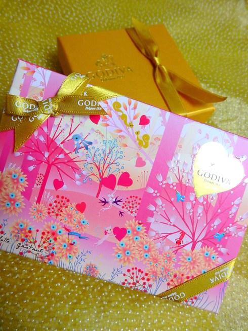 Happy Valentine*s Day*のティータイム♡Petit fours frais ♡Pierre Hermé Paris New Otani *† ♡   _a0053662_14291834.jpg