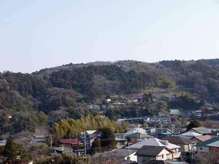 間もなく台稲荷の裏山から大船の街並みが一望できそう_c0014967_10123464.jpg