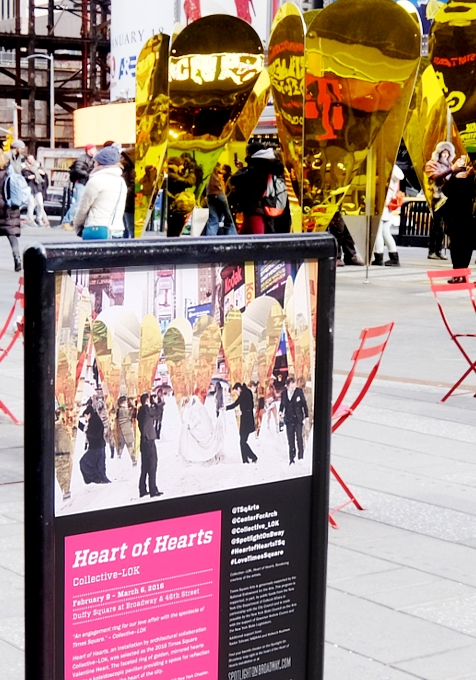 NYのタイムズスクエアに愛をテーマにしたアート作品、Heart of Hearts登場中_b0007805_325340.jpg