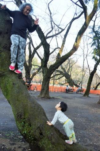 木登りパパ_f0006713_00015511.jpg