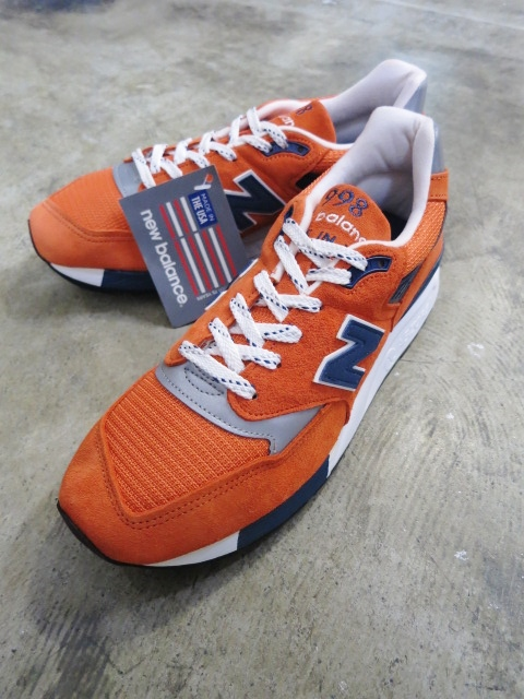 遂に入荷です(^^♪ newbalance ・・・ M 1400 (MADE IN USA) GRAY NUBAK LEATHER!★!_d0152280_20555955.jpg